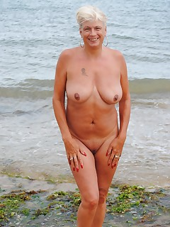 Wifey naked pussy